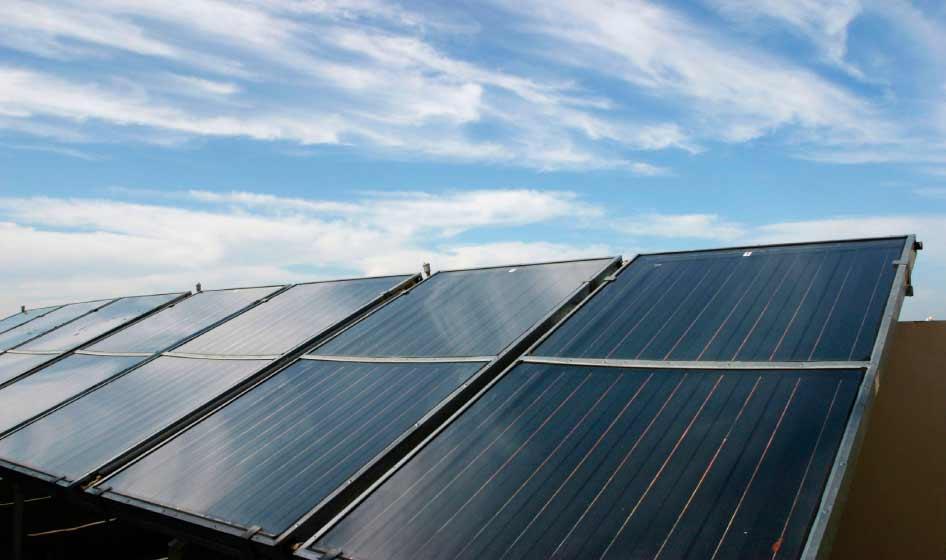 La energía solar térmica sólo emite 2,1 gramos de CO2 en todo su ciclo de vida