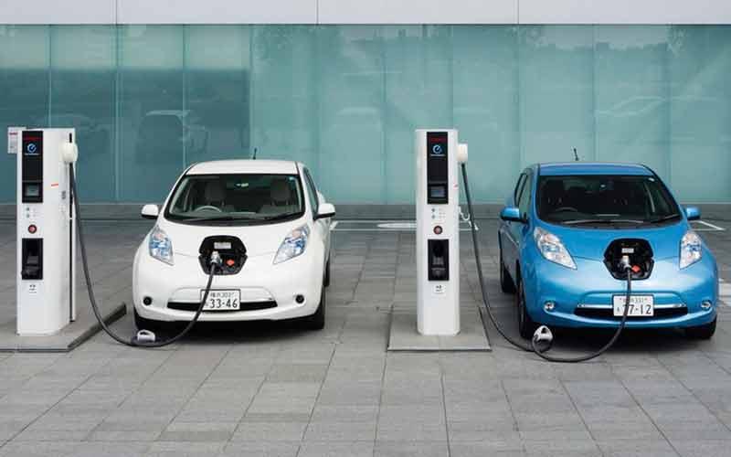 Con la energía del frenado de los trenes es posible cargar coches eléctricos