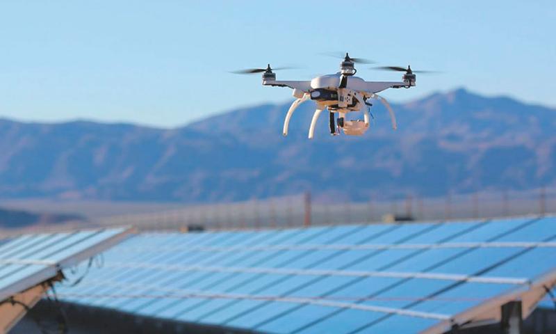 Se desarrollan drones capaces de detectar fallas en parques solares