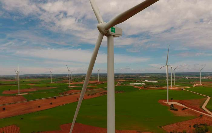 Gobierno de España apoya la energía renovable y otorga 181 millones de euros para futuros proyectos